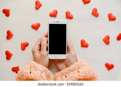 Shopping Iphone Images Stock Photos Vectors Shutterstock