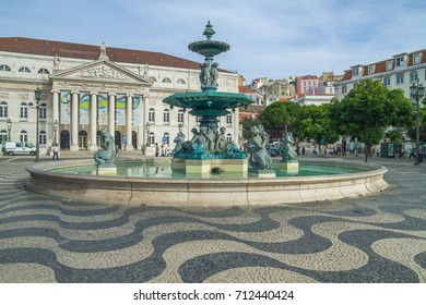 Portugal, Lisabon, urban city, houses, waterfall, peoples. 2014