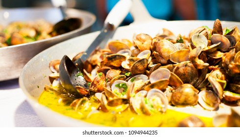 Portugese Clams  in Garlic Sauce  -  Bulhao Pato