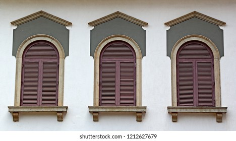 Portuguese era building facade with Corinthian style windows of 17th century in Old Goa, India