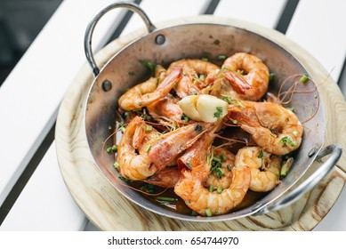 portuguese garlic and herb boiled fresh prawns tapas snack set