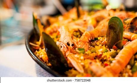 Paella de marisco portuguesa con mejillones
