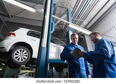 Positive mechanics working in auto service