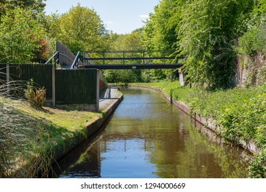 Postles bridge No 32W over the Llangollen Canal next to Trevor in Wales, UK