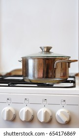 Pot on the cooker