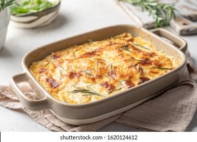 potato casserole with cream, gratin dauphinois, french cuisine