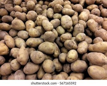 Potato at the market