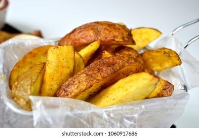 Potatoes fries basket