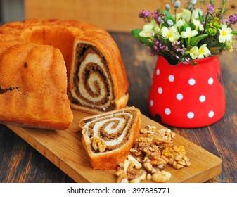 Potica/Potizza, Roll mit Walnüssen