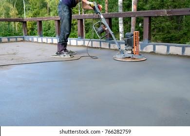 pouring concrete slab