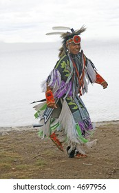 pow wow dancer