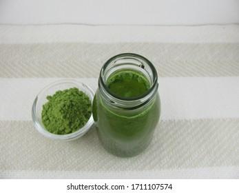 Powder from barley gras and barley gras drink