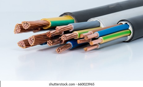 Power cable for electrical connection