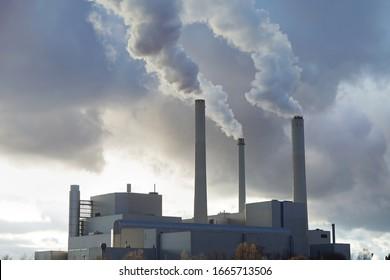 Kraftwerk und Verbrennungsanlage in München