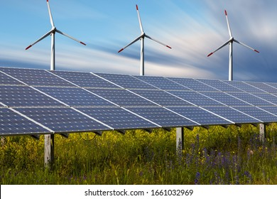 Power plant using renewable solar energy and winds.