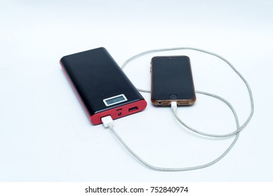 powerbank and smartphone