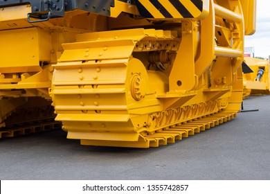 Powerful caterpillar chain. The main running gear of modern construction equipment.