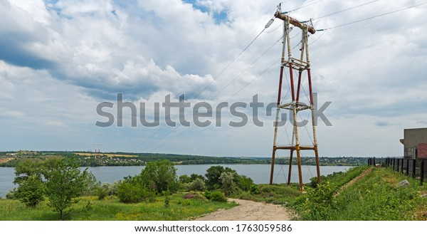 powerful-highvoltage-pylons-pass-through