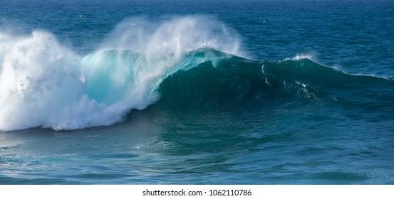 powerful ocean waves breaking, natural power background