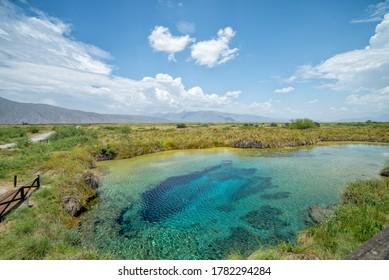 poza azul cuatrocienegas mexico thermal water