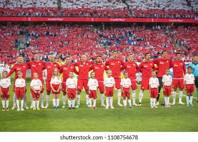Poznan, Poland. 8th June, 2018. International Football friendly match: Poland v Chile 2:2. Team of Poland during anthem.