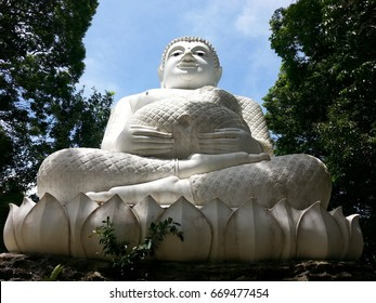 Pra Sangkh Cay a famous and well known  buddha immage , is  recognised as a sing of  wealthy for those who pray respect.