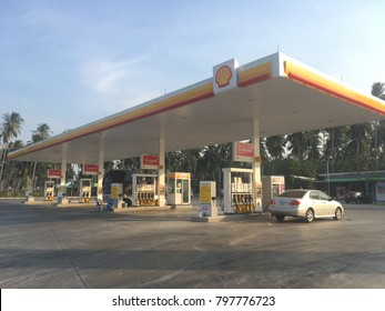 Prachuap Khiri Khun,THAILAND - Jan 18 2018 :Blurred The Shell gas station located on Phetkasem road in Prachuap Khiri Khun,Thailand .