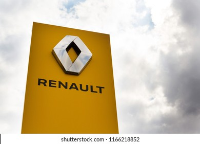 PRAGUE, CZECH REPUBLIC - AUGUST 15 2018: Renault company logo in front of dealership building on August 15, 2018 in Prague, Czech Republic.