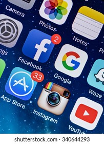 PRAGUE, CZECH REPUBLIC - NOVEMBER 17, 2015: A close-up photo of Apple iPhone 5s start screen with apps icons.