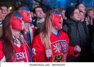 PRAGUE - FEBRUARY 18: Fans watch men's hockey game during the 2014 Winter Olympics at Olympic Park Sochi-Letna 2014 in center of Prague, Czech Republic, February 18, 2014.