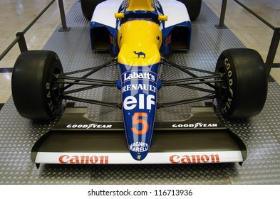 PRAGUE - OCTOBER 16: Exhibition of historic Formula 1 cars in Prague, Czech rep.,on October 16, 2009. (Williams FW14) Nigel Mansell's formula.