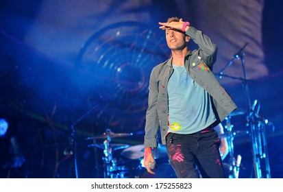 PRAGUE - SEPTEMBER 16: Singer Chris Martin of famous British band Coldplay during performance in Prague, Czech republic, September 16, 2012.
