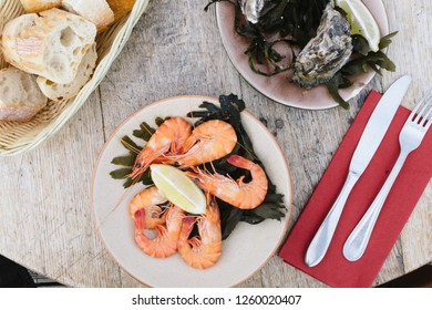 Prawn platter with oysters and bread