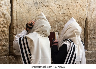Prayer of Jews in western wall.