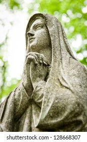 praying mary at an old cemetry