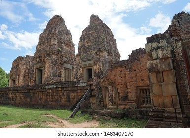 Pre Rup Temple is a temple in historic area in Siem Reap. This temple was built by sandstone.