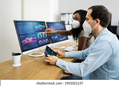 Predictive Business Data Analytics Meeting In Face Mask