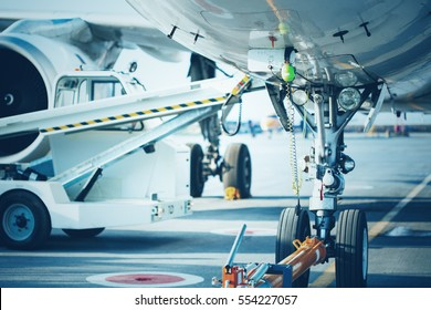 Preflight service, aircraft maintenance in the airport before departure