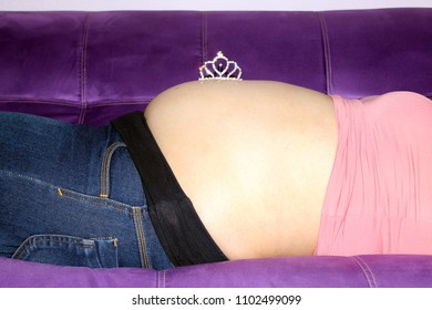 pregnancy and crown of princess