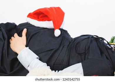 pregnant sleeping woman with red hat