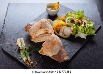 prego Portuguese steak sandwich/With salad and souce