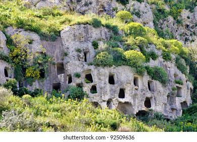 Prähistorische Gräber im UNESCO-Standort Pantalica - Sizilien