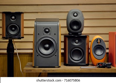 Premium speaker. A loudspeaker is an electroacoustic transducer which converts an electrical audio signal into a corresponding sound. The speaker operates on the same basic principle as microphone.