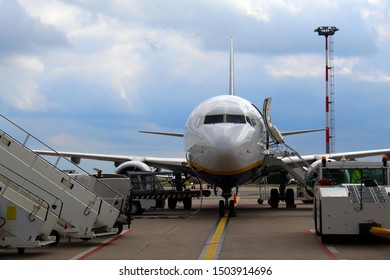 Preparation of the airplane before flight