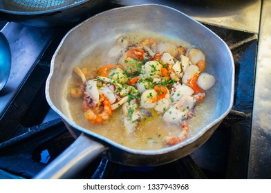 preparation to the fireseafood sauce