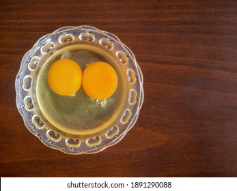 To prepare a cake, the egg yolks are in the bowl