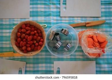 prepare to make salad