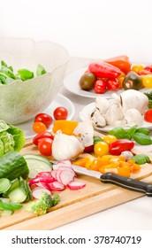 prepare a mixed salad