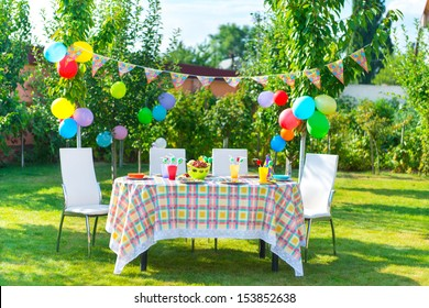 Terrific Birthday Party Tables Chairs Images Stock Photos Vectors Machost Co Dining Chair Design Ideas Machostcouk