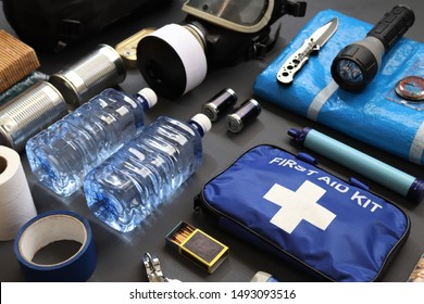 Preppers are known for preparing for natural disasters,economic collapse,civil unrest or any doomsday scenario.Such items would include food,water,lighting,shelter,and a first aid kit.Bug out kit.